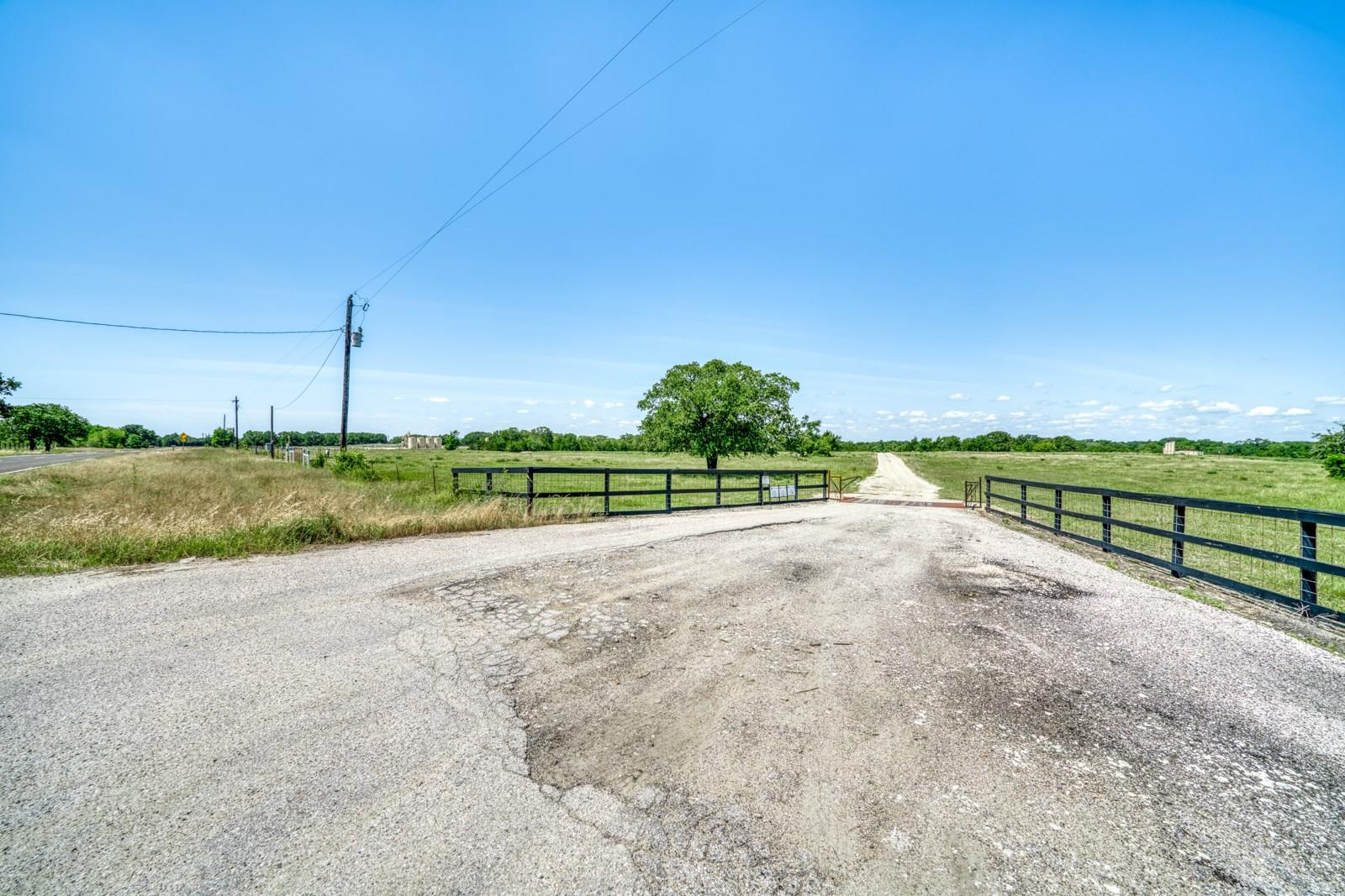 17142 Fm 1372 Road Property Photo