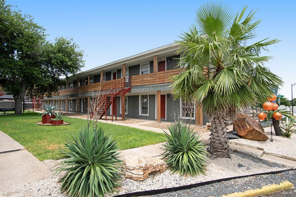3300 S College Avenue #C2 Property Photo - Bryan, TX real estate listing
