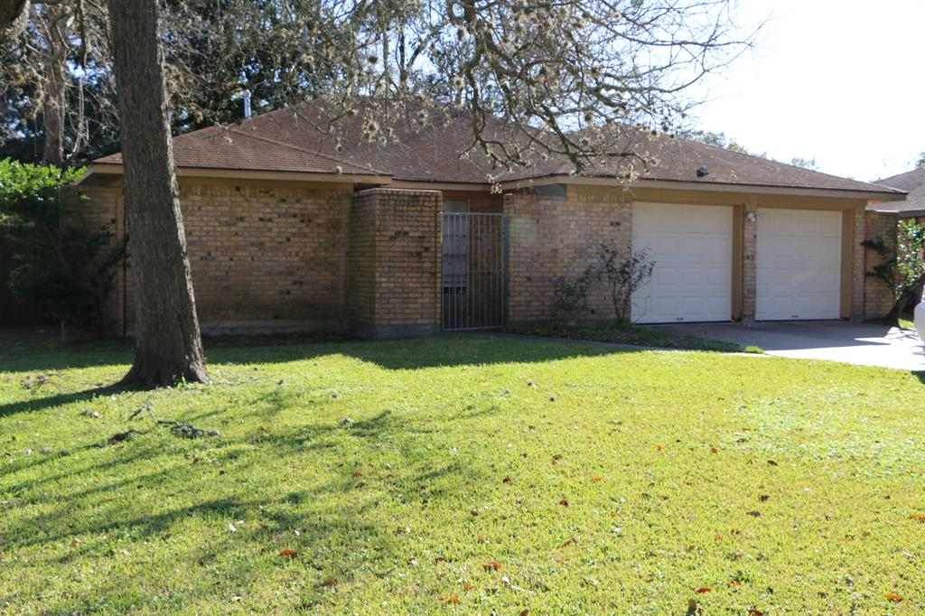241 Crestwood Street, Clute, TX 77531 - Clute, TX real estate listing