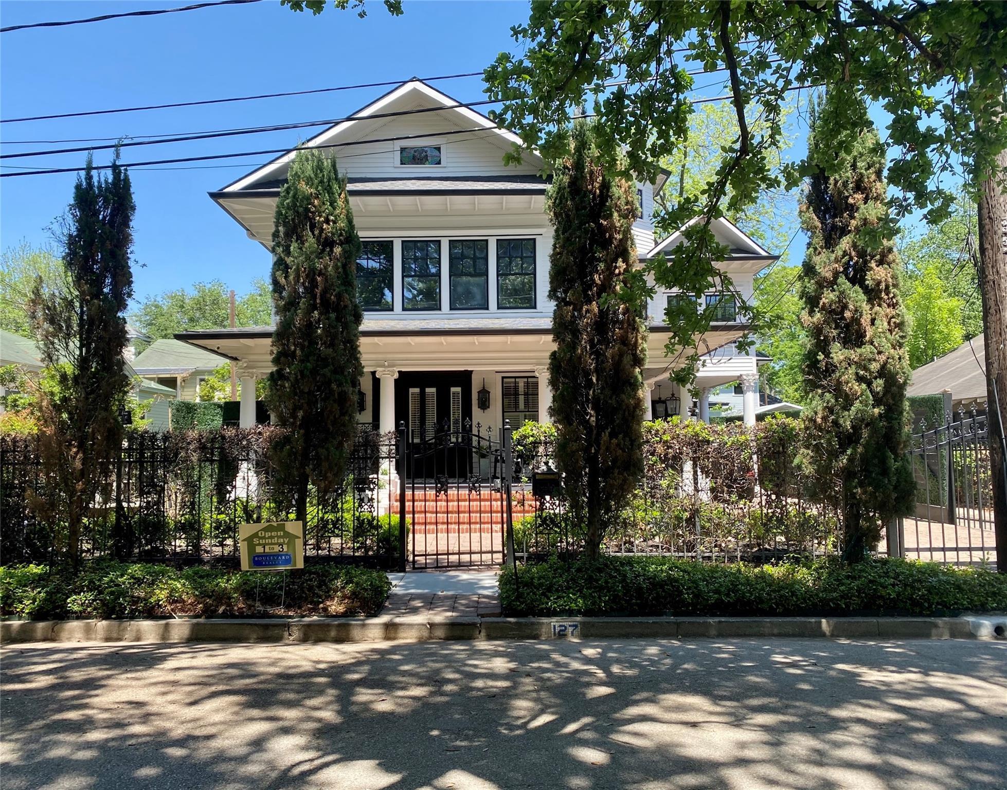 127 Parkview Street Property Photo 1