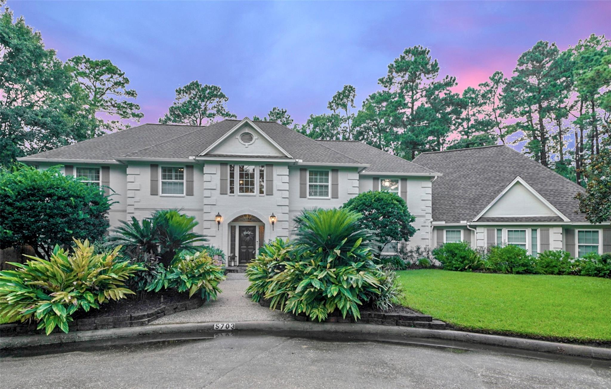 5703 Redwood River Drive Property Photo - Kingwood, TX real estate listing
