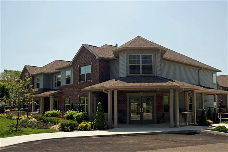 1551 N Columbus Street Property Photo - Lancaster, OH real estate listing