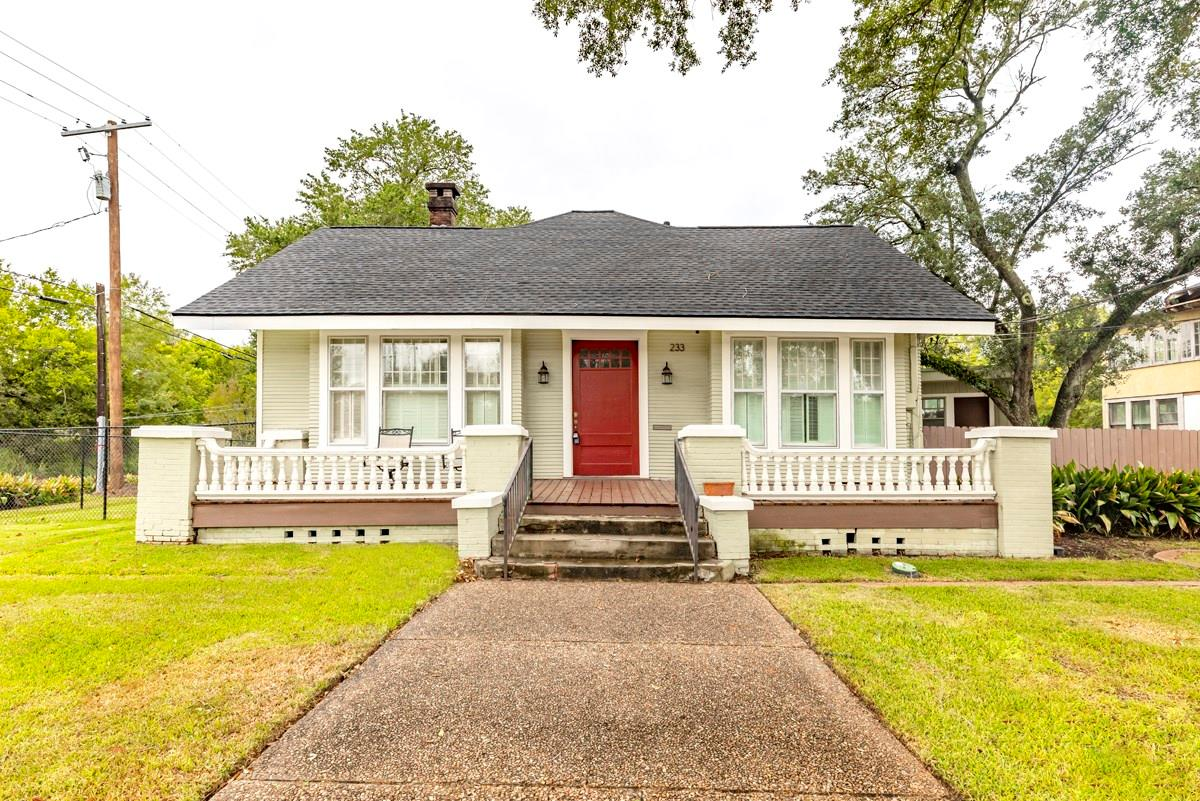233 N 7th Street Property Photo - Beaumont, TX real estate listing