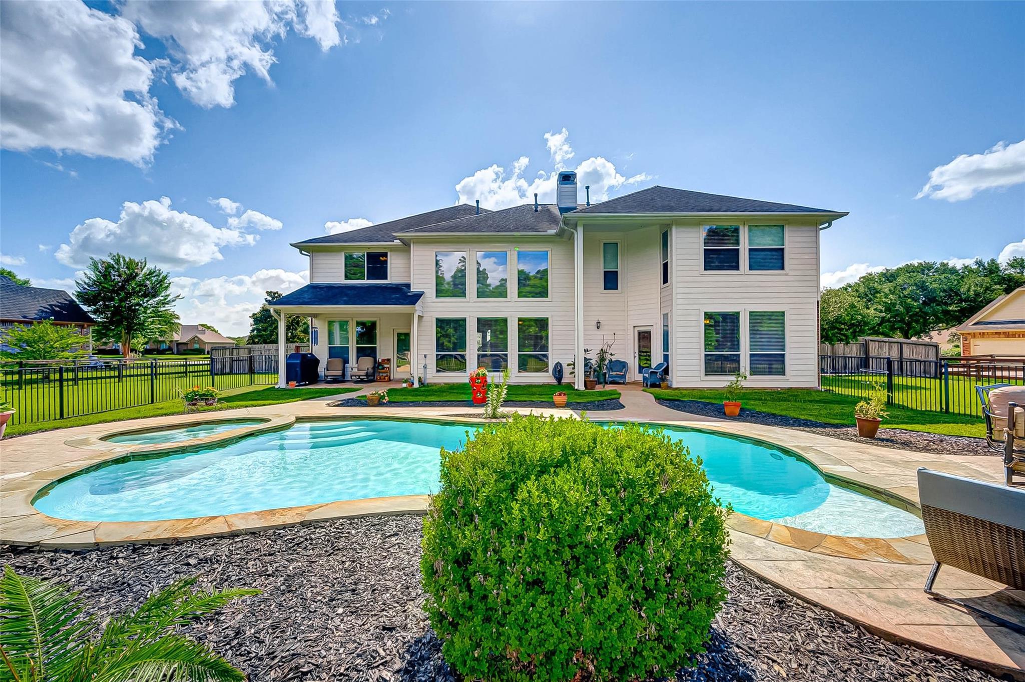 3418 River Bend Drive Property Photo 1