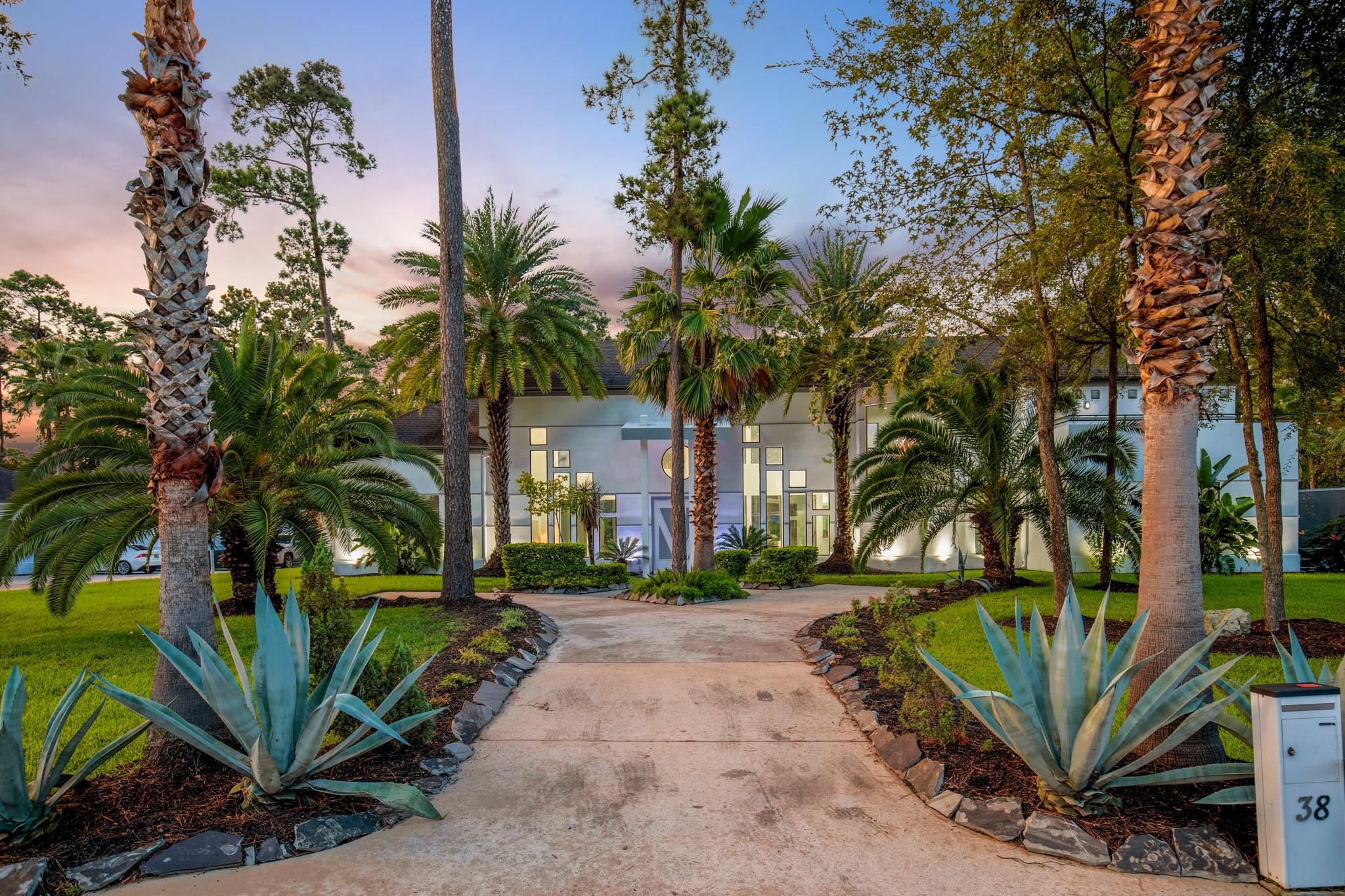 38 Kings Lake Estates Boulevard Property Photo 1