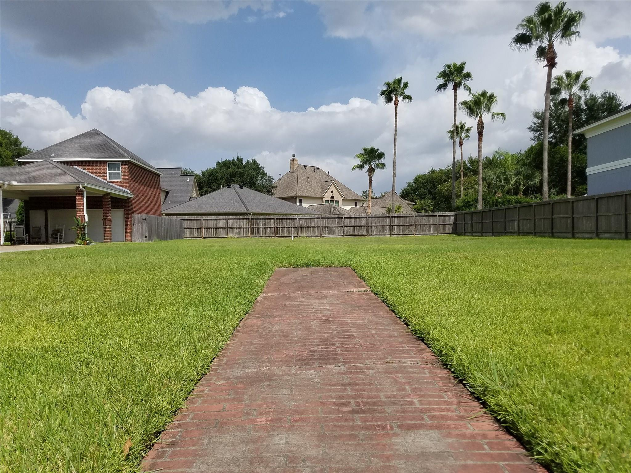 8521 Wyndham Village Drive Property Photo - Jersey Village, TX real estate listing