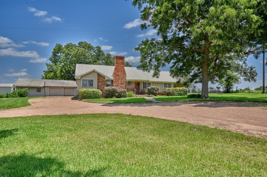 8816 Loop Road, Bellville, TX 77418 - Bellville, TX real estate listing