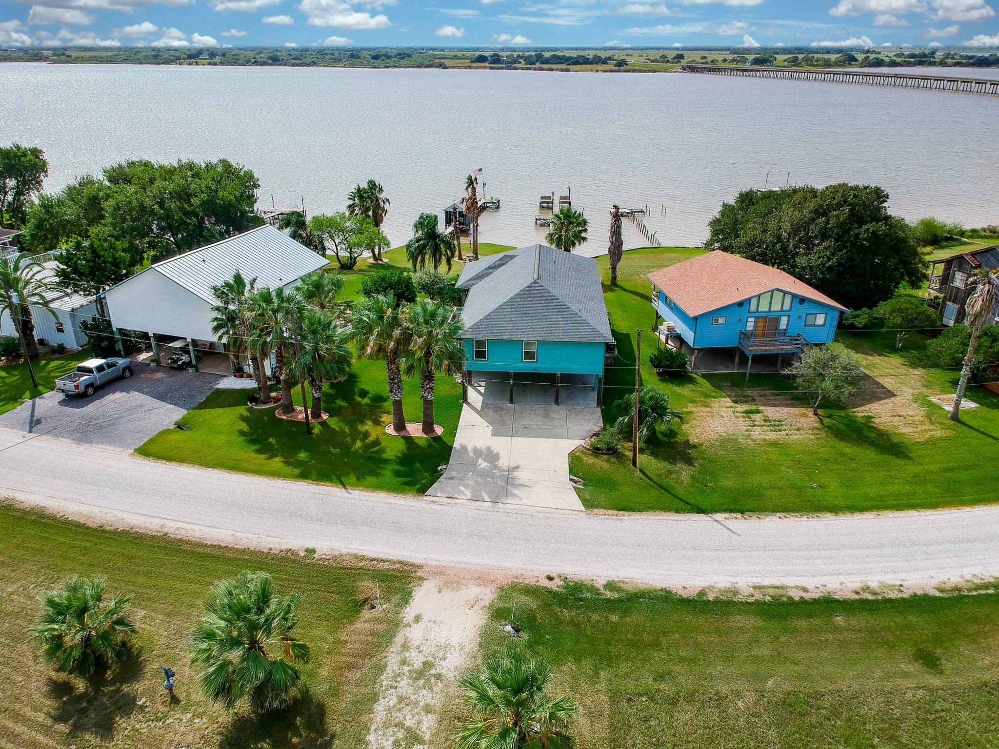 626 W Bayshore Drive Property Photo - Palacios, TX real estate listing