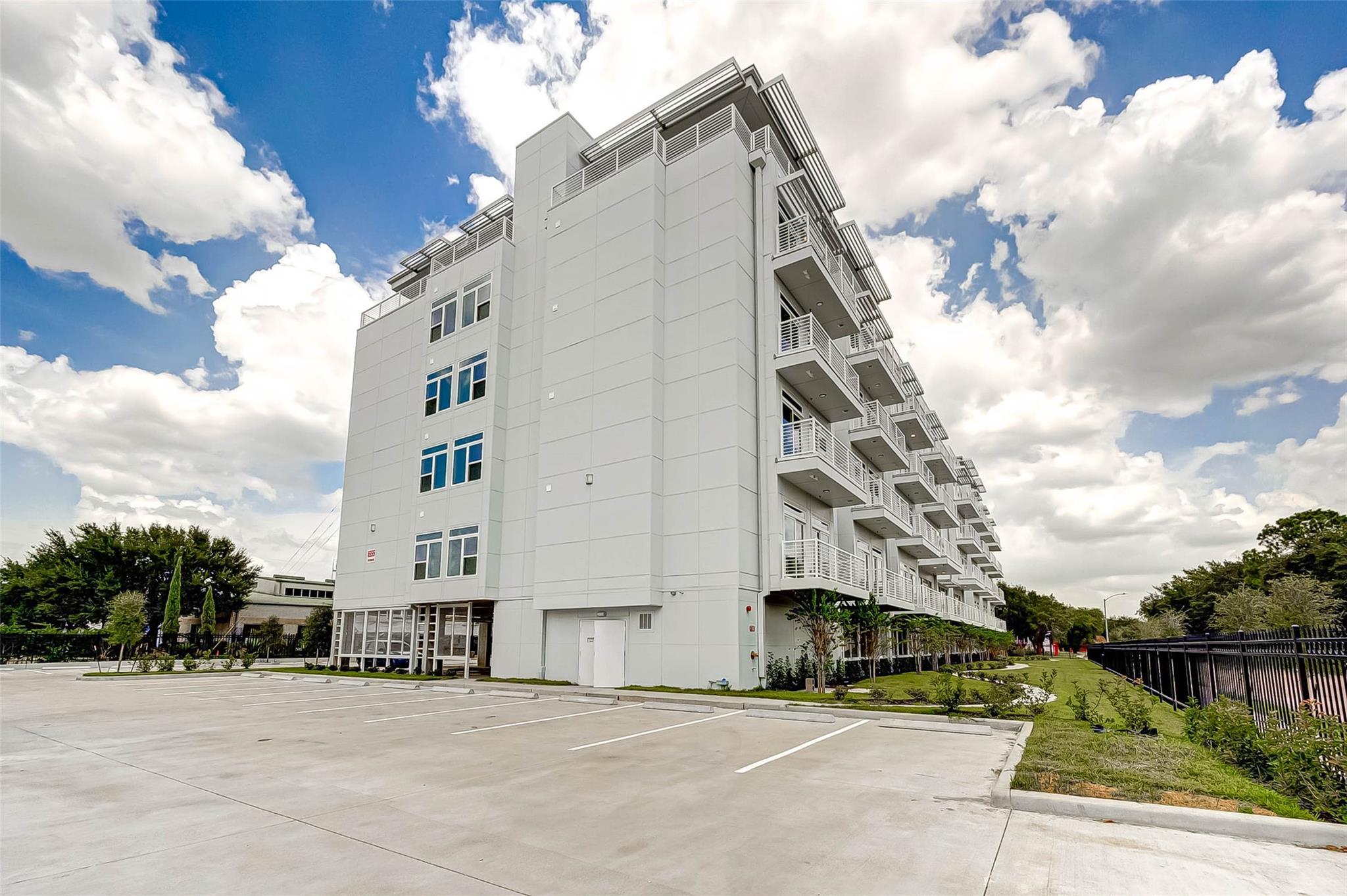 6955 Turtlewood Drive #301 Property Photo