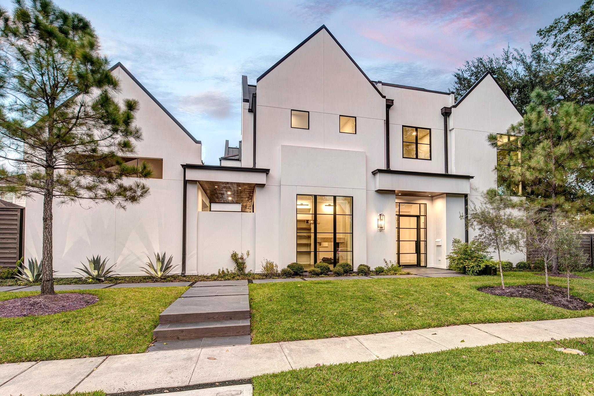 2604 University Boulevard Property Photo - West University Place, TX real estate listing