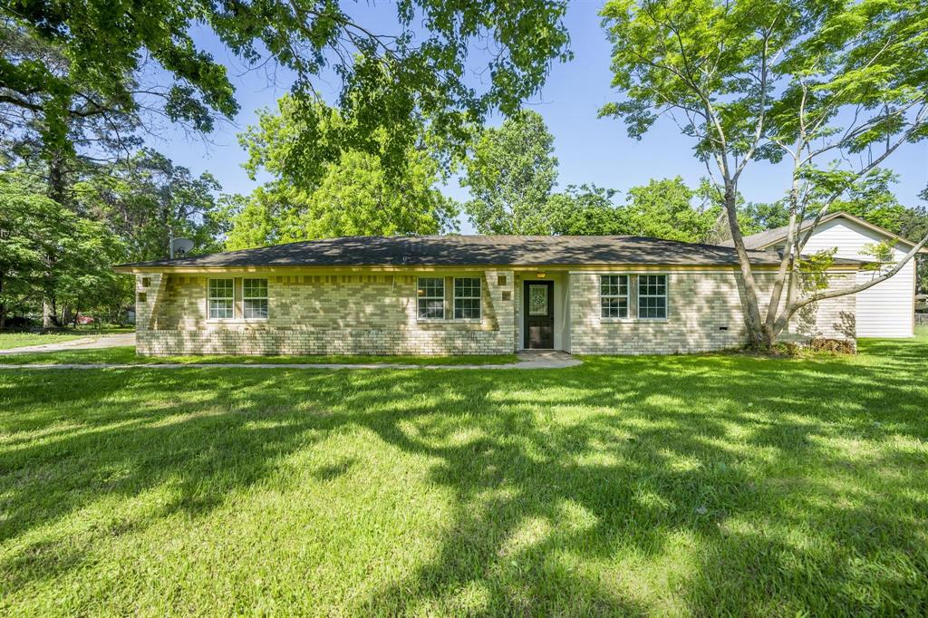 205 Roark Lane Property Photo - Jones Creek, TX real estate listing