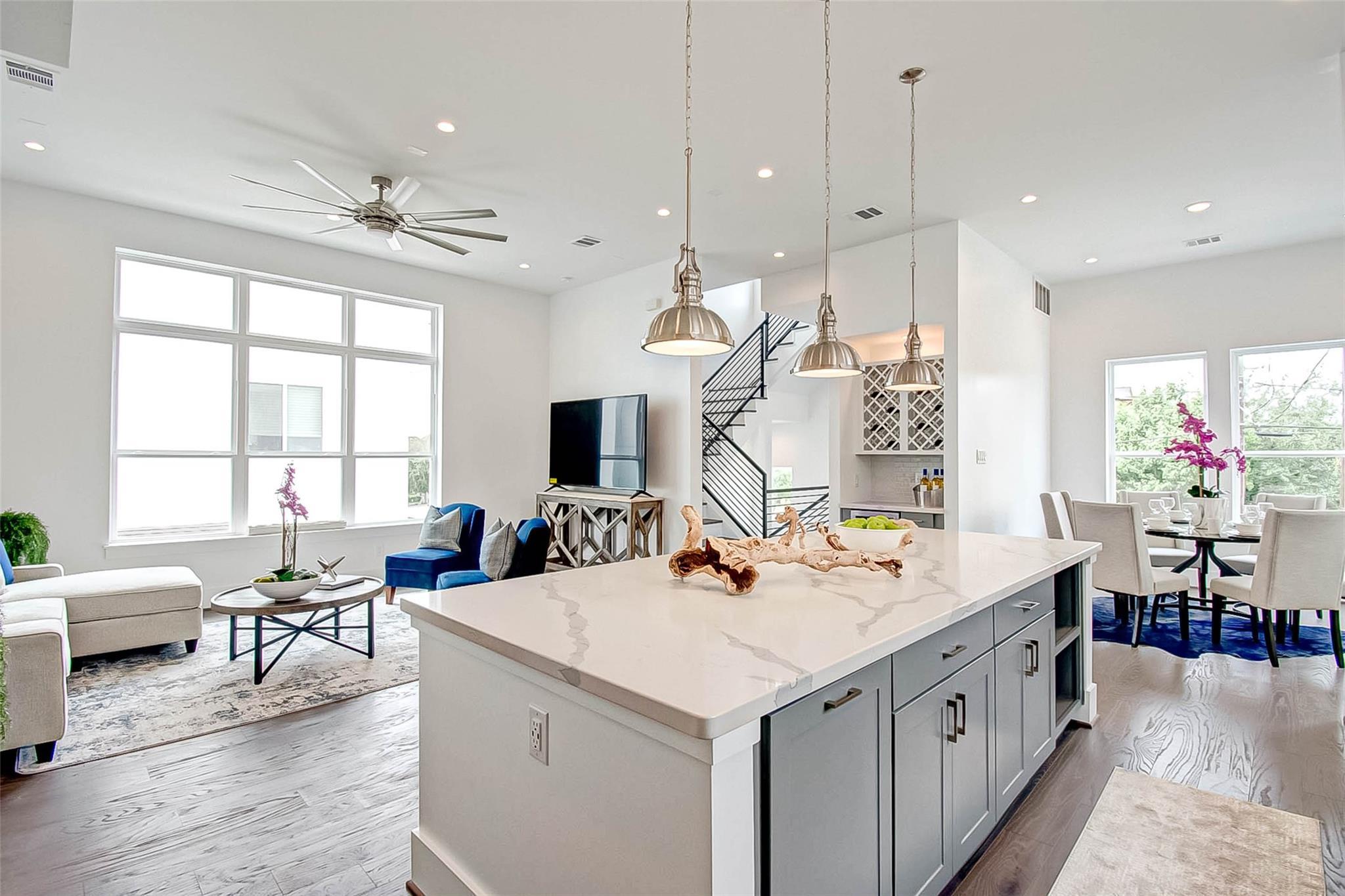 410 Bayou Street Property Photo - Houston, TX real estate listing