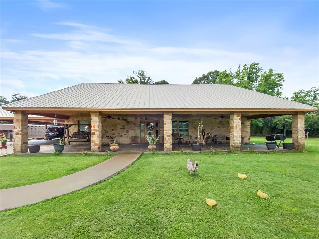 600 Brit Bailey Boulevard Property Photo - Angleton, TX real estate listing