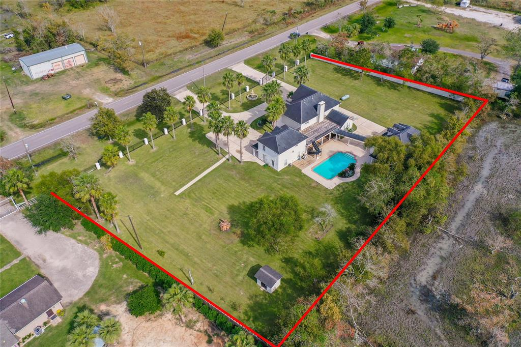 8088 County Road 128 Property Photo - Alvin, TX real estate listing