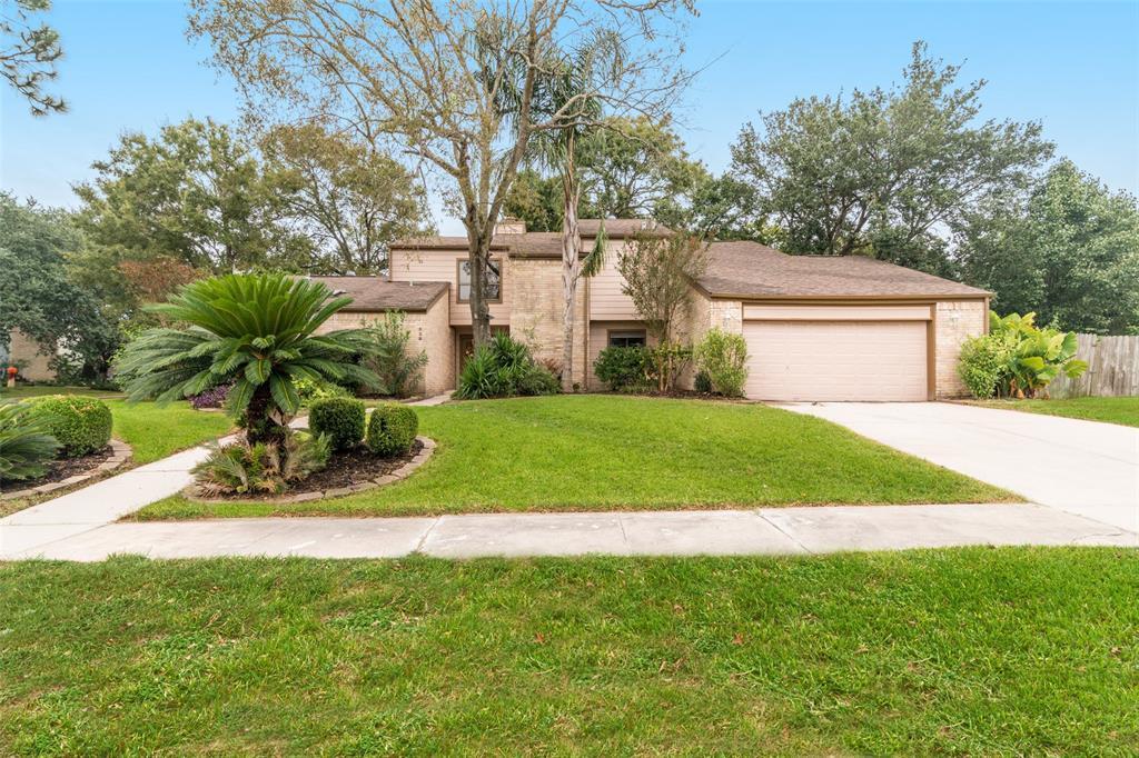 523 Crestwood Drive Property Photo - El Lago, TX real estate listing