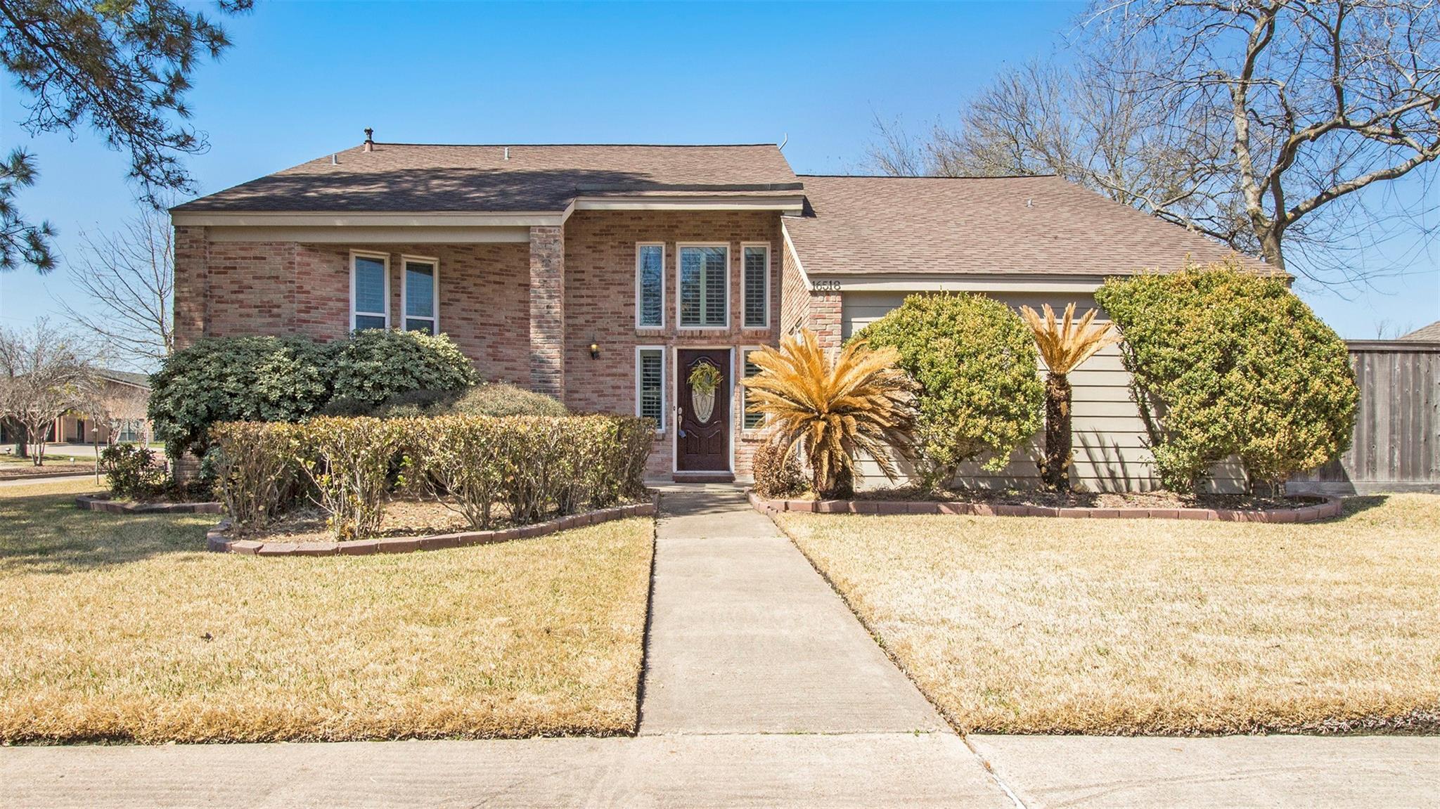 16518 Saint Helier Street Property Photo - Jersey Village, TX real estate listing
