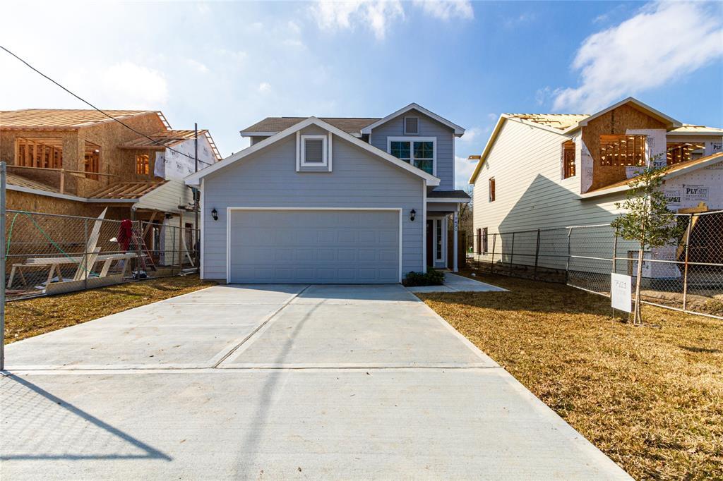 7424 N Star Street Property Photo - Houston, TX real estate listing