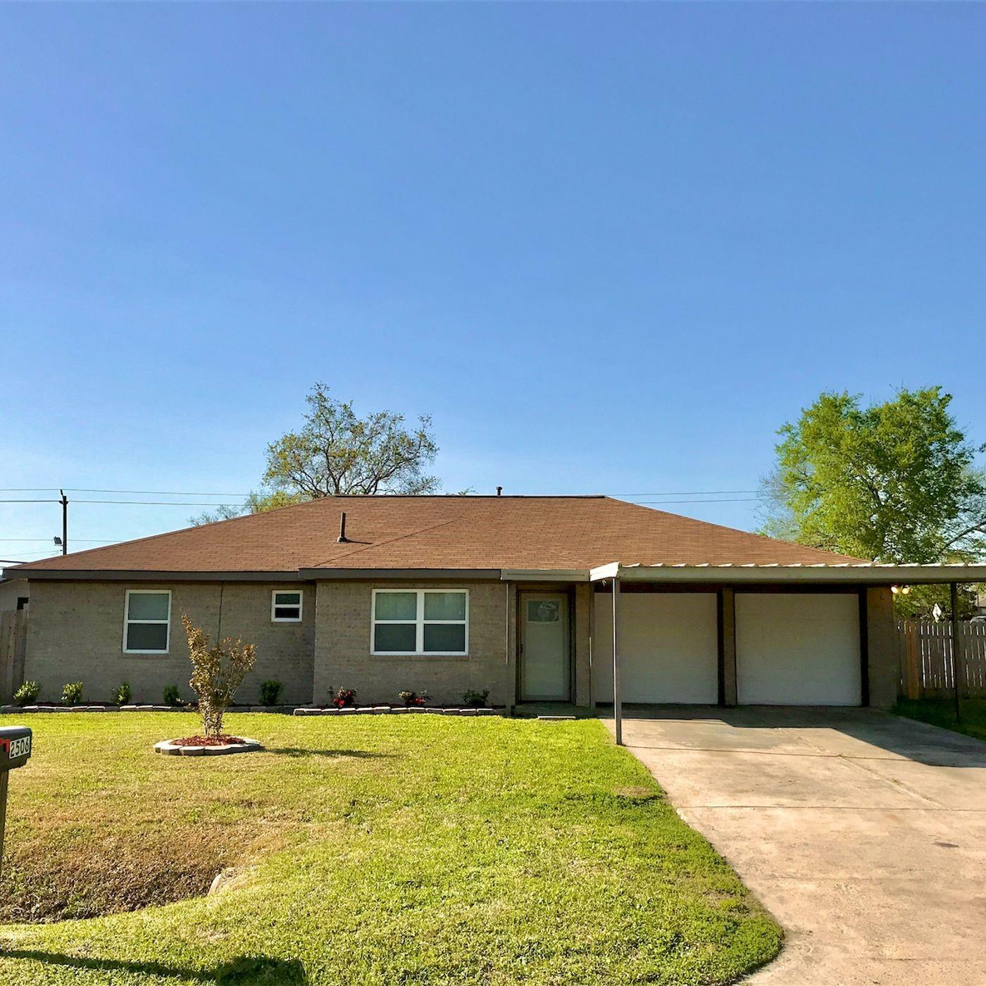 2506 Heather Street Property Photo - Highlands, TX real estate listing