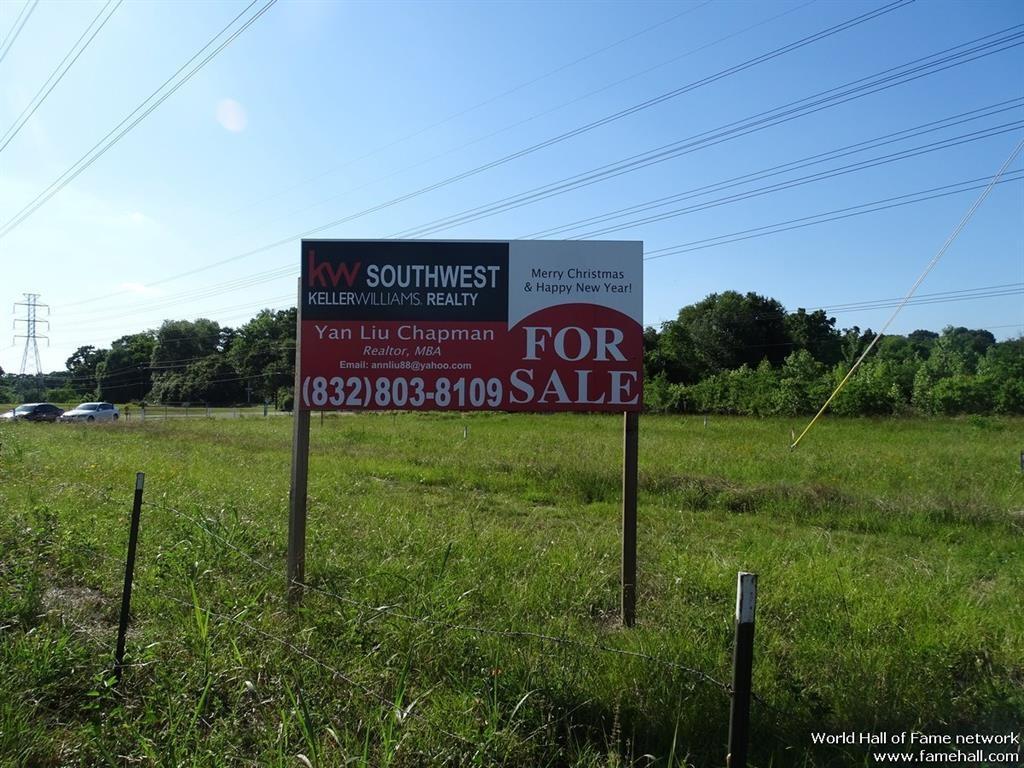 1734 N Sam Houston Parkway W Property Photo - Houston, TX real estate listing