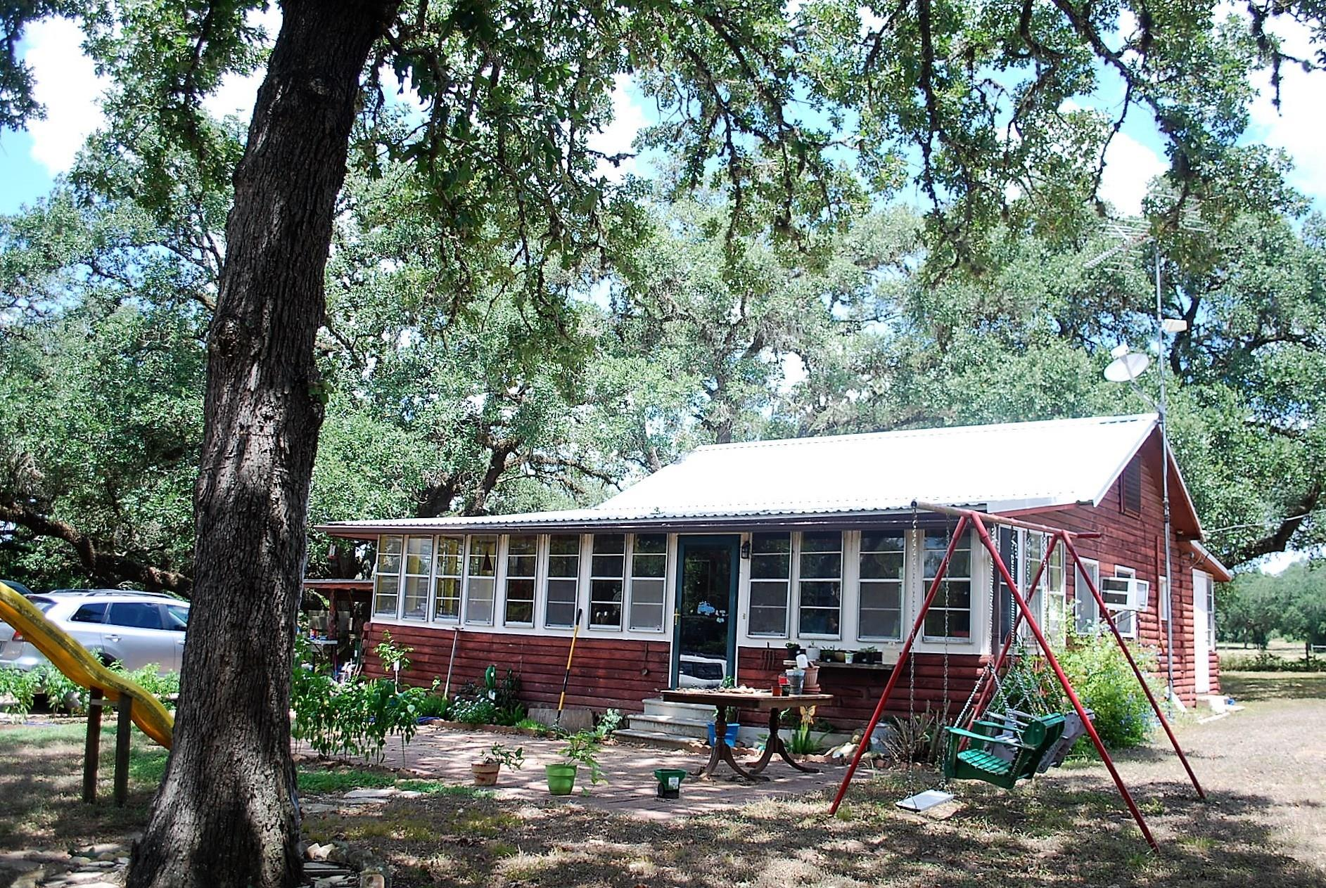 5268 IH-10 Property Photo - Alleyton, TX real estate listing