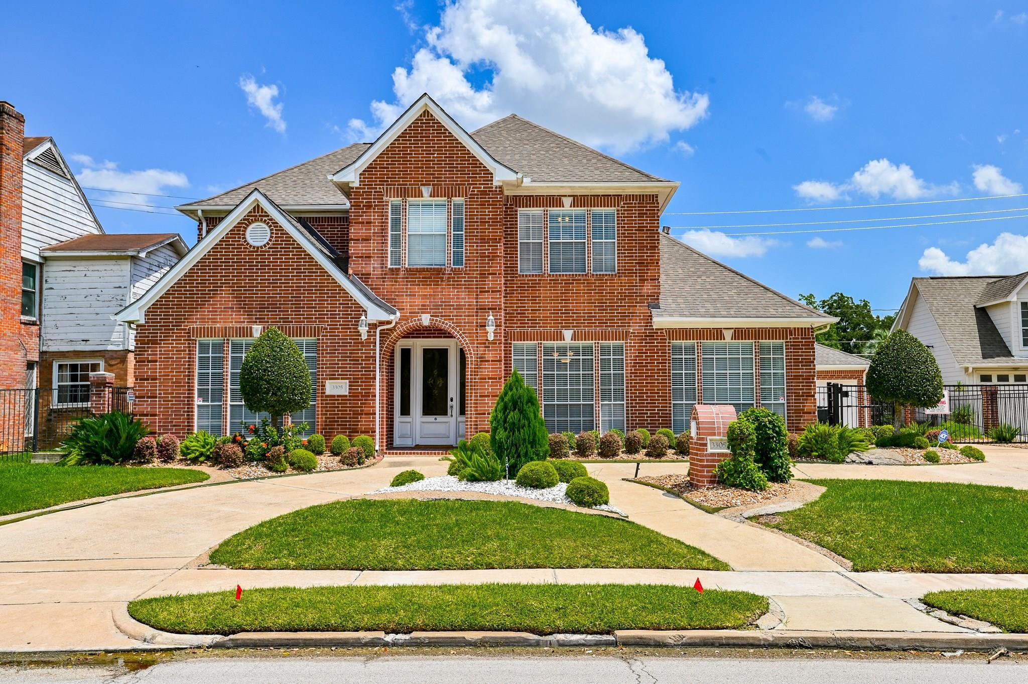 3305 Southmore Boulevard Property Photo