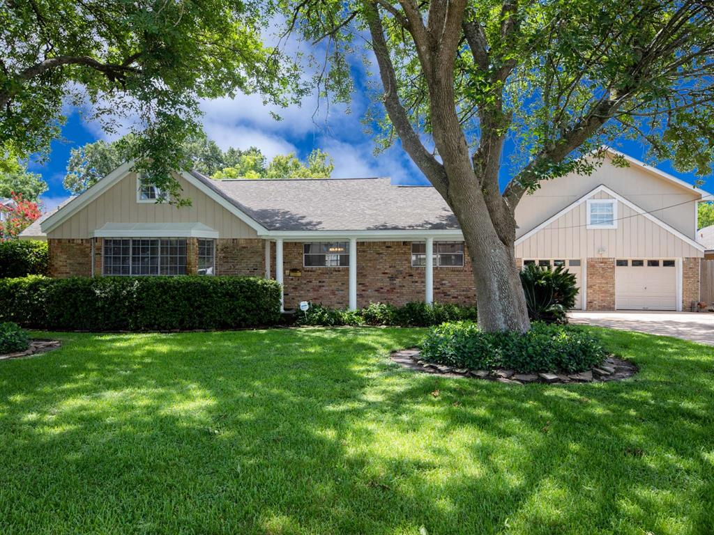 222 E X Street Property Photo - Deer Park, TX real estate listing