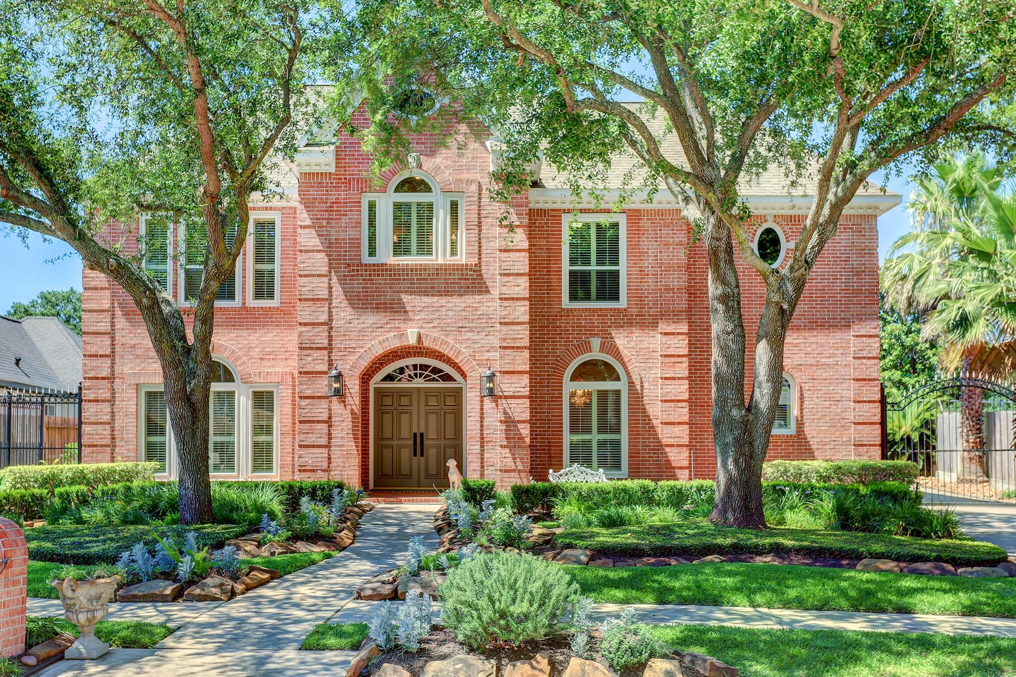 8541 Ivy Falls Court Property Photo - Jersey Village, TX real estate listing