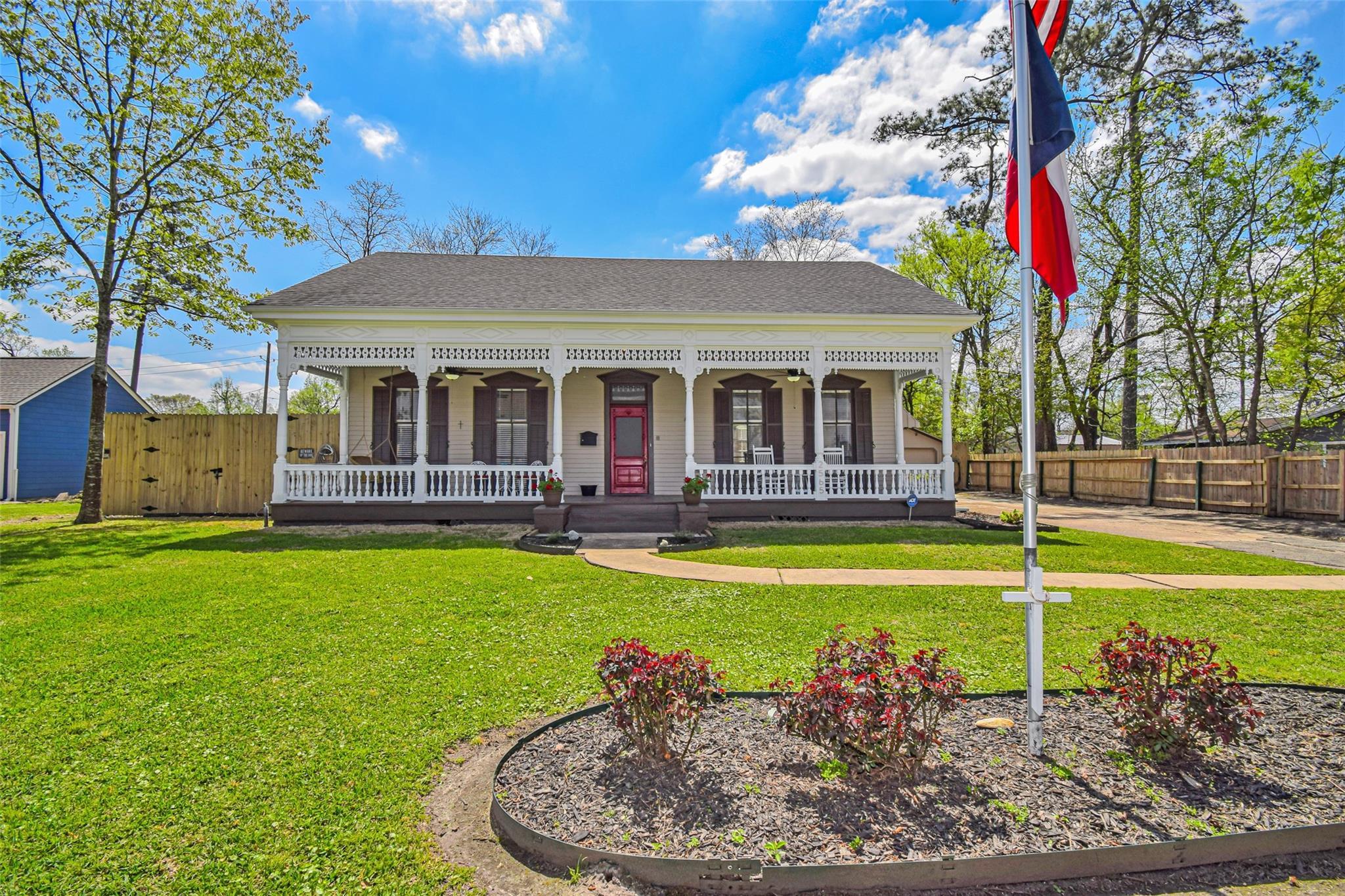 2565 Louisiana Street Property Photo