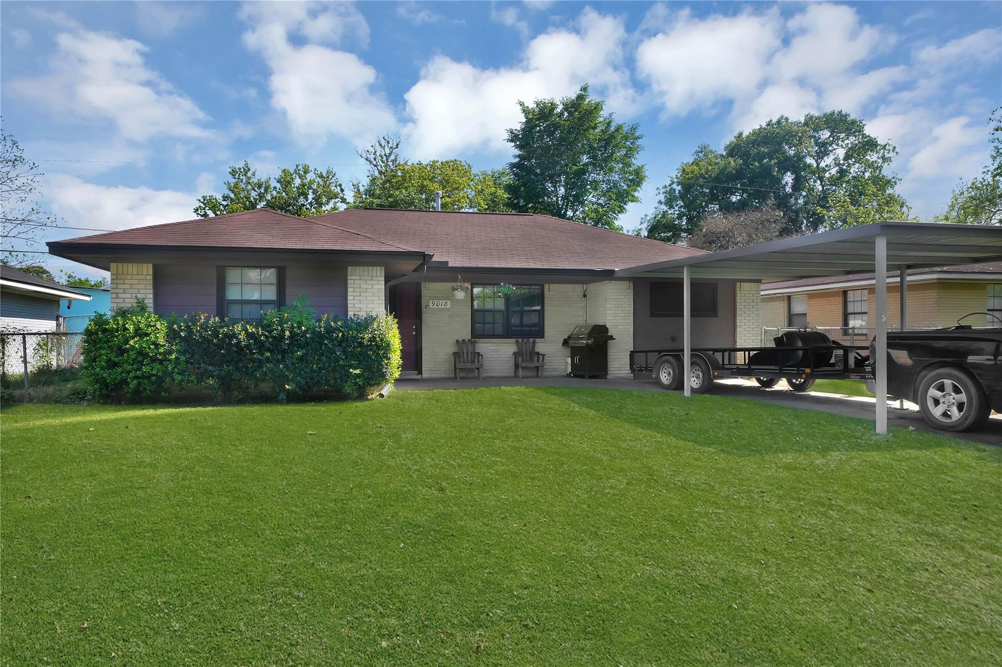 9018 Woodlyn Road Property Photo