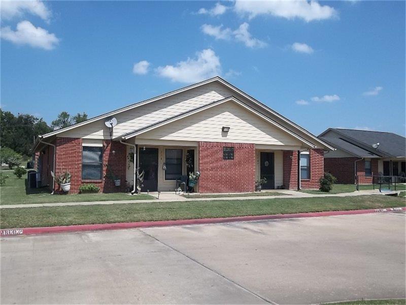 1400 W Washington Property Photo - Paris, TX real estate listing