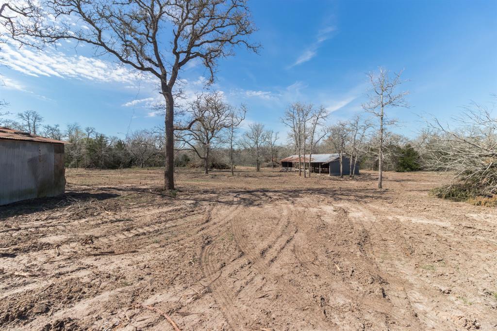 221 Old Waelder Road Property Photo - Flatonia, TX real estate listing