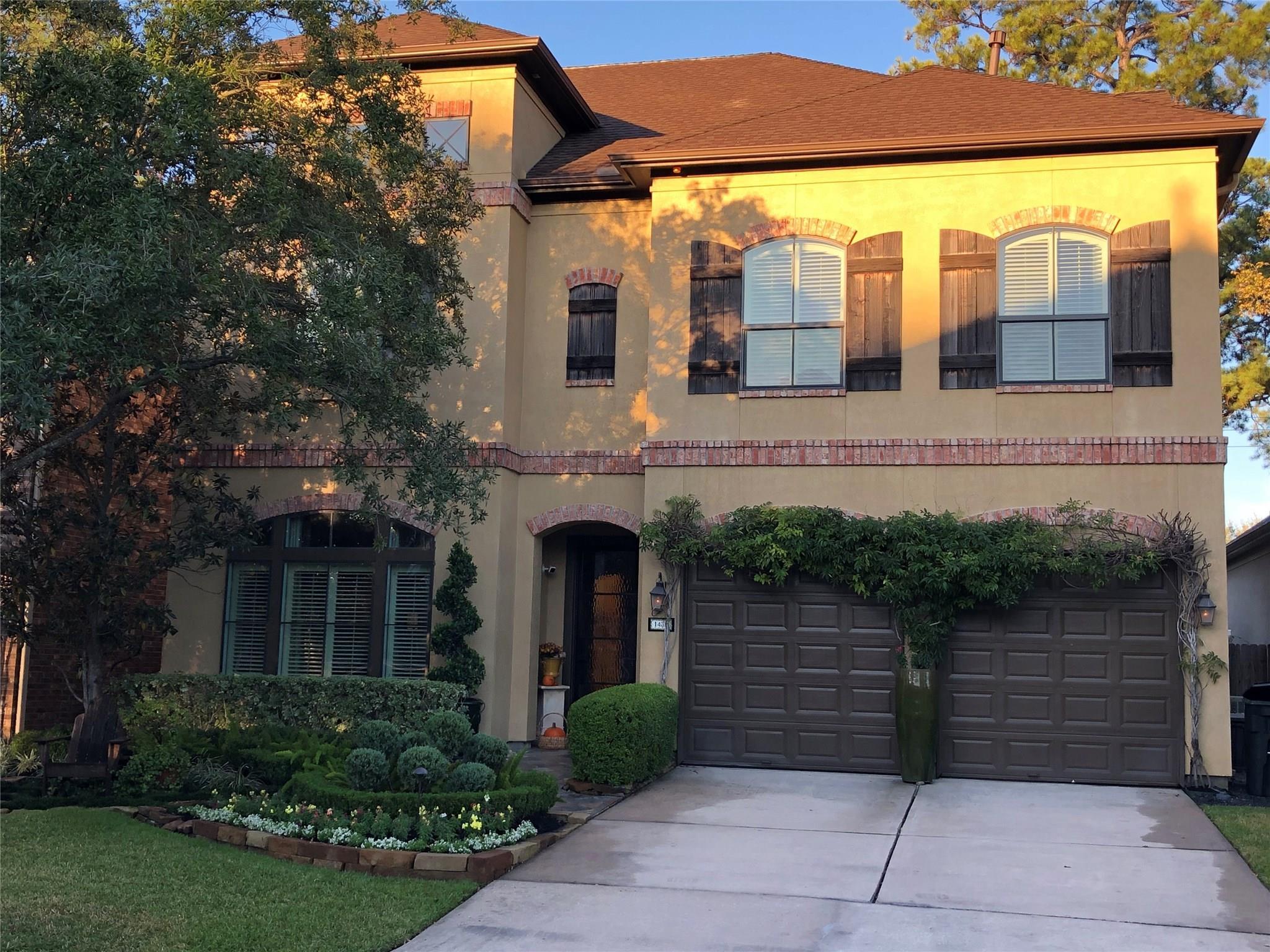 1438 Sherwood Park Circle Property Photo - Houston, TX real estate listing