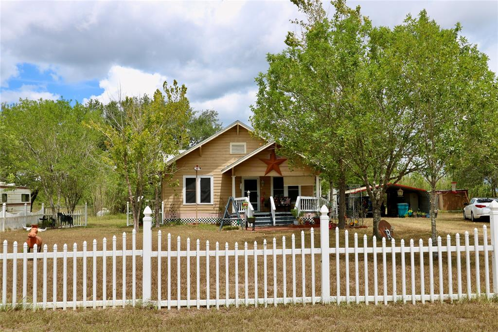 1269 Beck Road W Property Photo - Victoria, TX real estate listing
