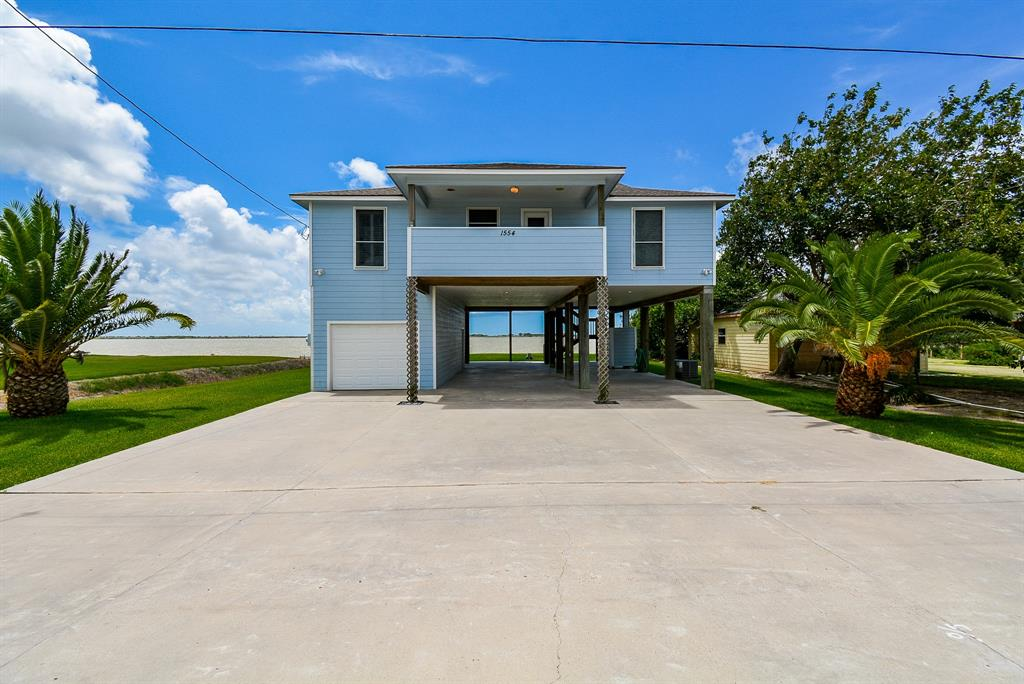 1554 W Bayshore Drive Property Photo - Palacios, TX real estate listing