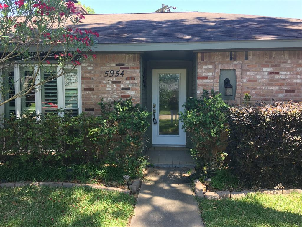 5954 Beaudry Drive Property Photo - Houston, TX real estate listing