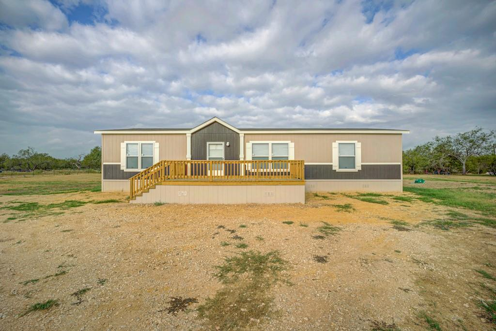 137 Cannon East Drive Property Photo - Gonzales, TX real estate listing