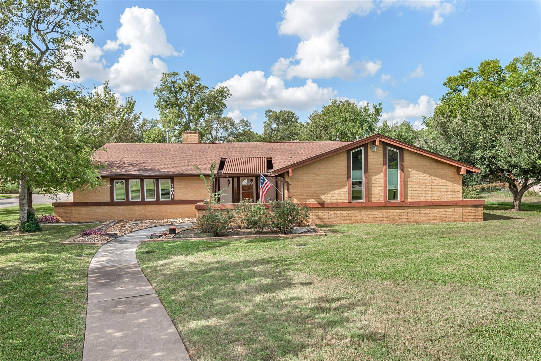 1401 Angelina Circle Property Photo - College Station, TX real estate listing