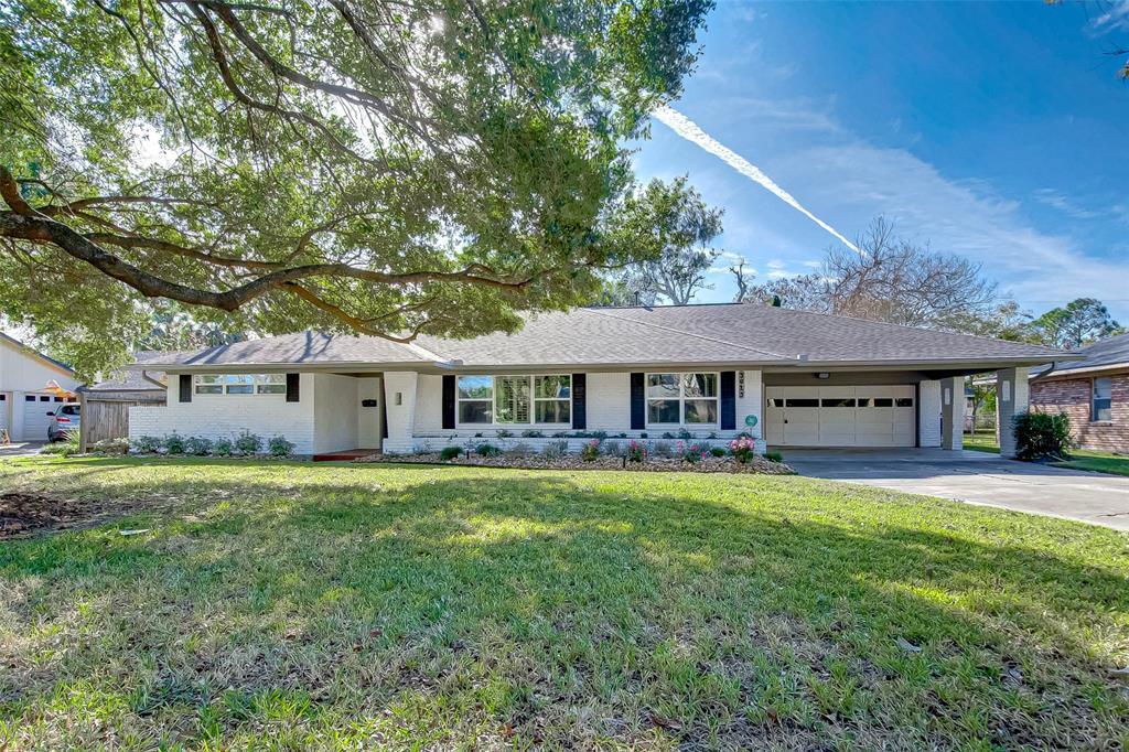 5625 Pine St Property Photo - Houston, TX real estate listing