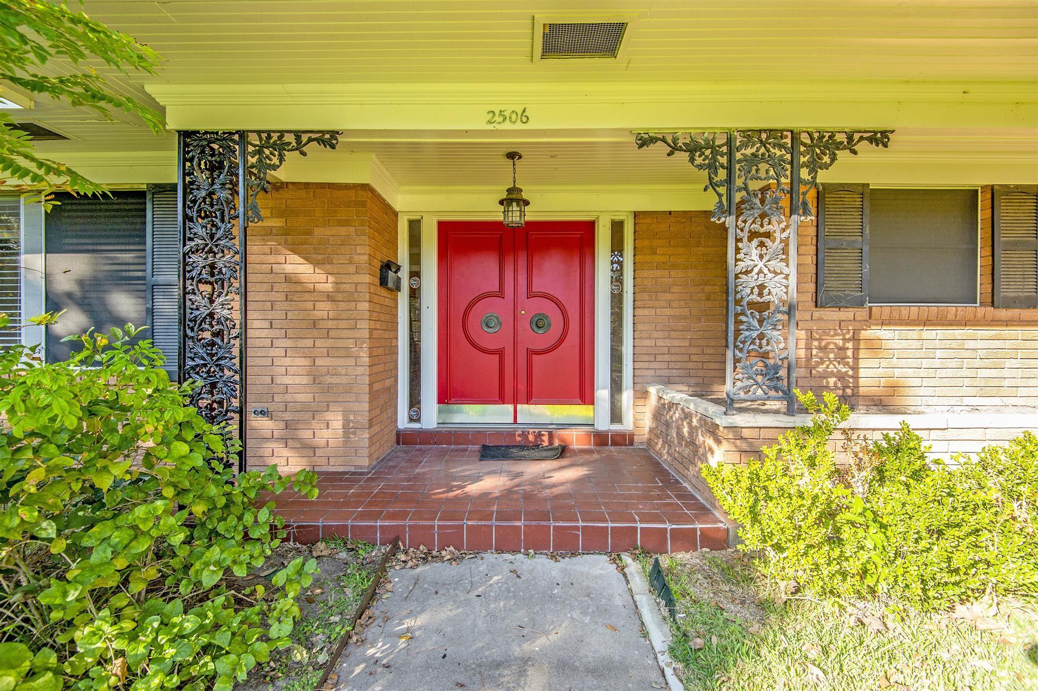 2506 Magnolia Drive Property Photo - La Marque, TX real estate listing