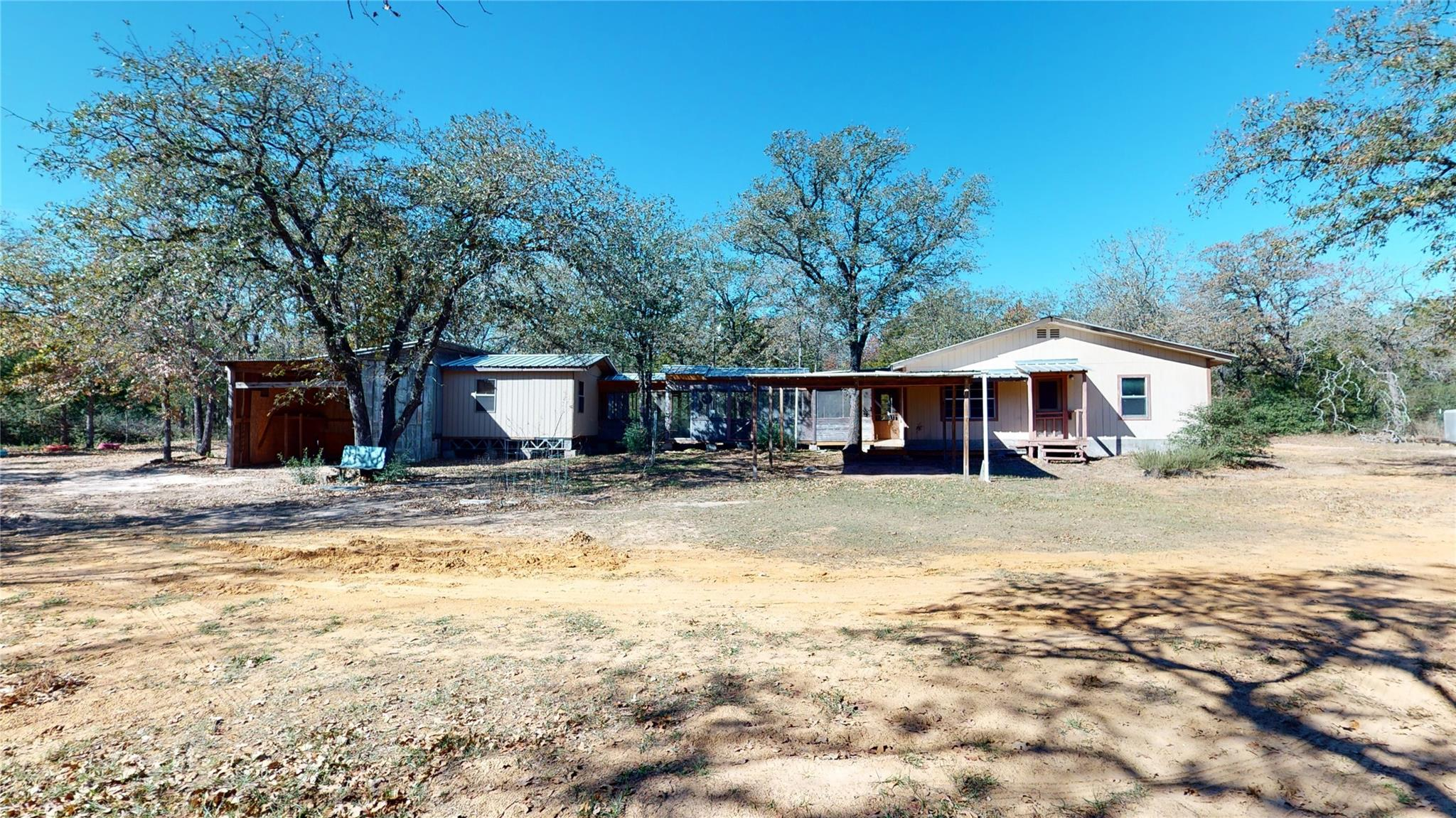1374 County Road 442 Property Photo - Lincoln, TX real estate listing