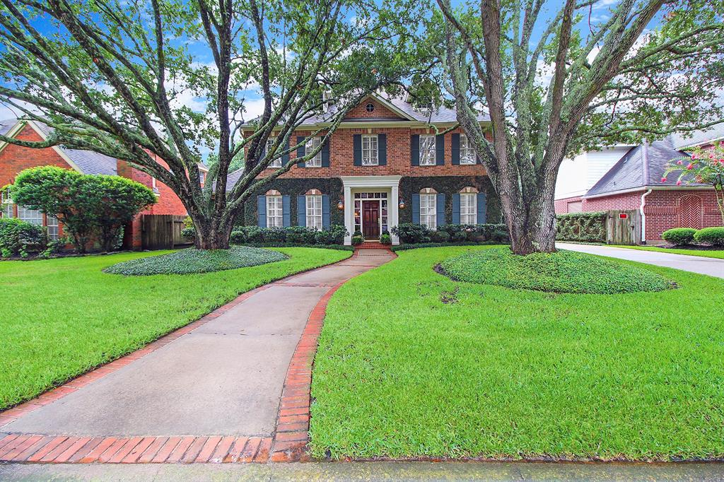 19515 Laurel Park Lane Property Photo - Houston, TX real estate listing