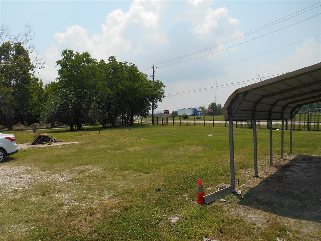 5226 Decker Drive Property Photo - Baytown, TX real estate listing