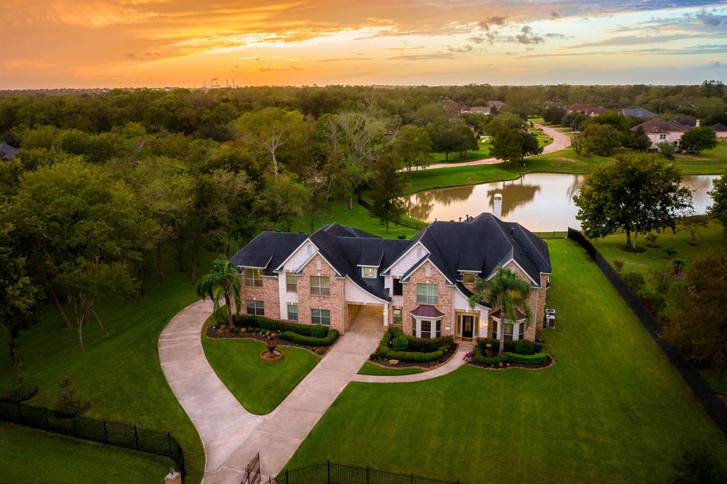 7 Hope Farm Road Property Photo - Missouri City, TX real estate listing