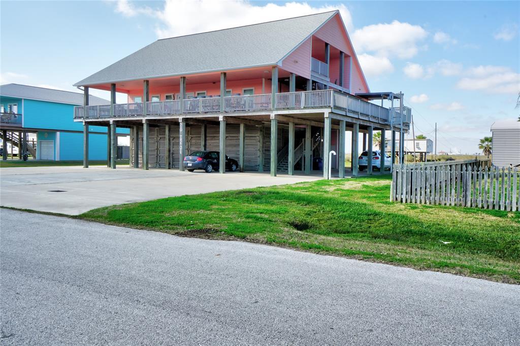 510 Treaty Drive Property Photo - Surfside Beach, TX real estate listing