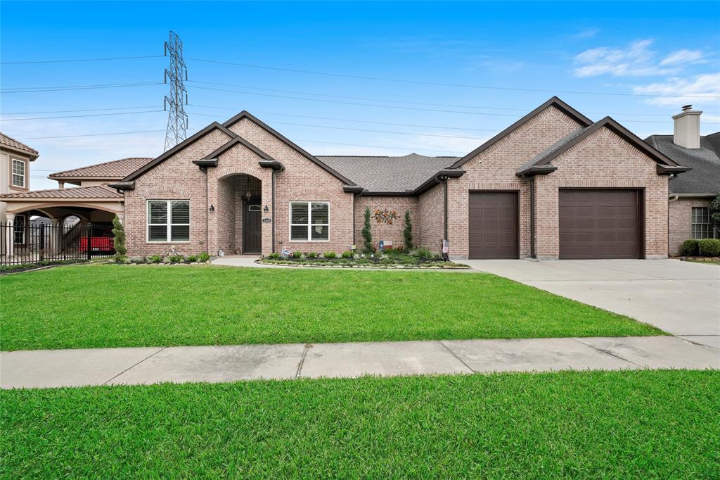 2607 Letrim Street Property Photo - Pearland, TX real estate listing