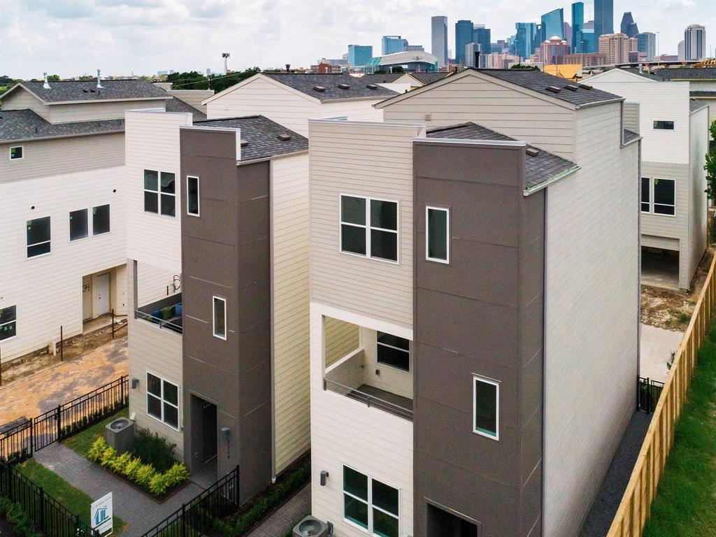 2719 EaDo Edge Court Property Photo - Houston, TX real estate listing