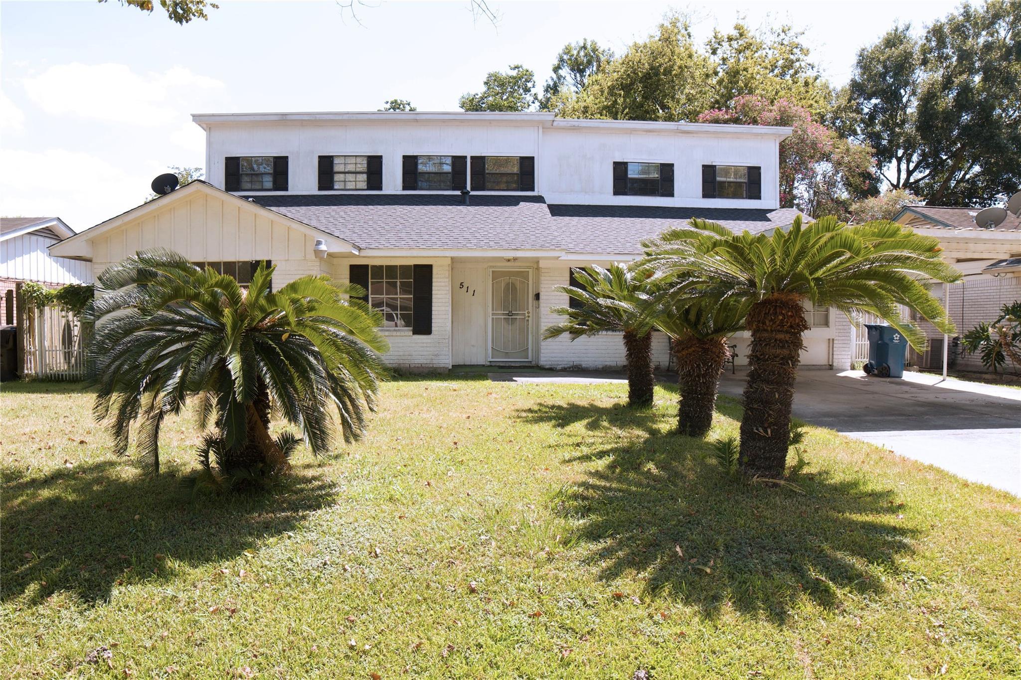 511 Peach Spring Drive Property Photo - Houston, TX real estate listing