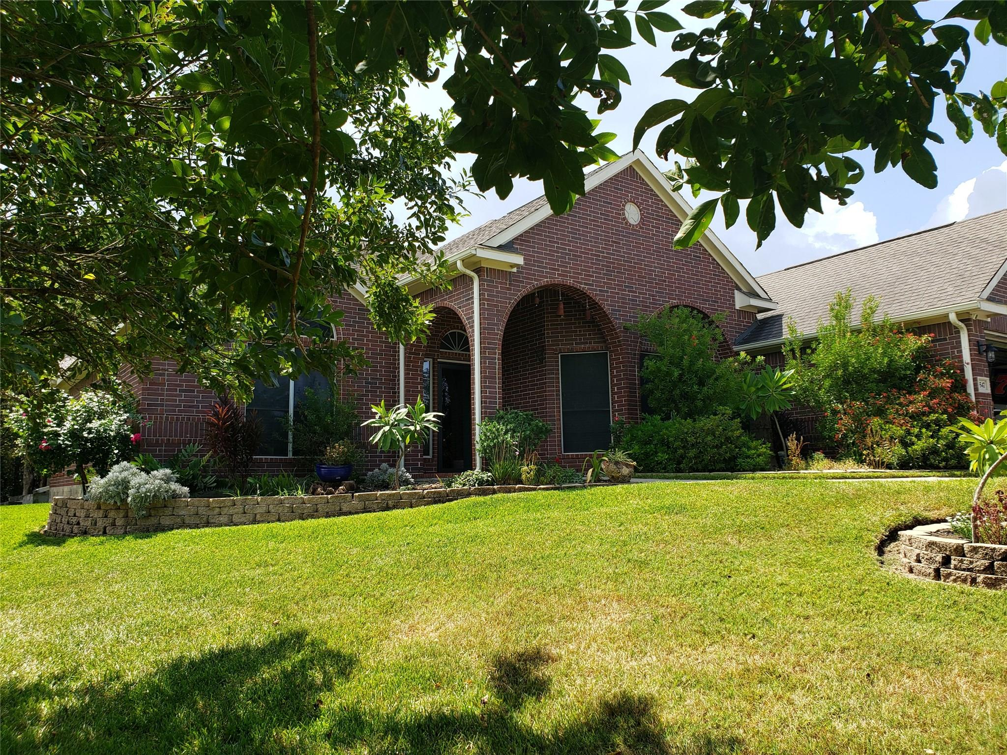 3547 Bayou Forest Drive Property Photo - Shoreacres, TX real estate listing