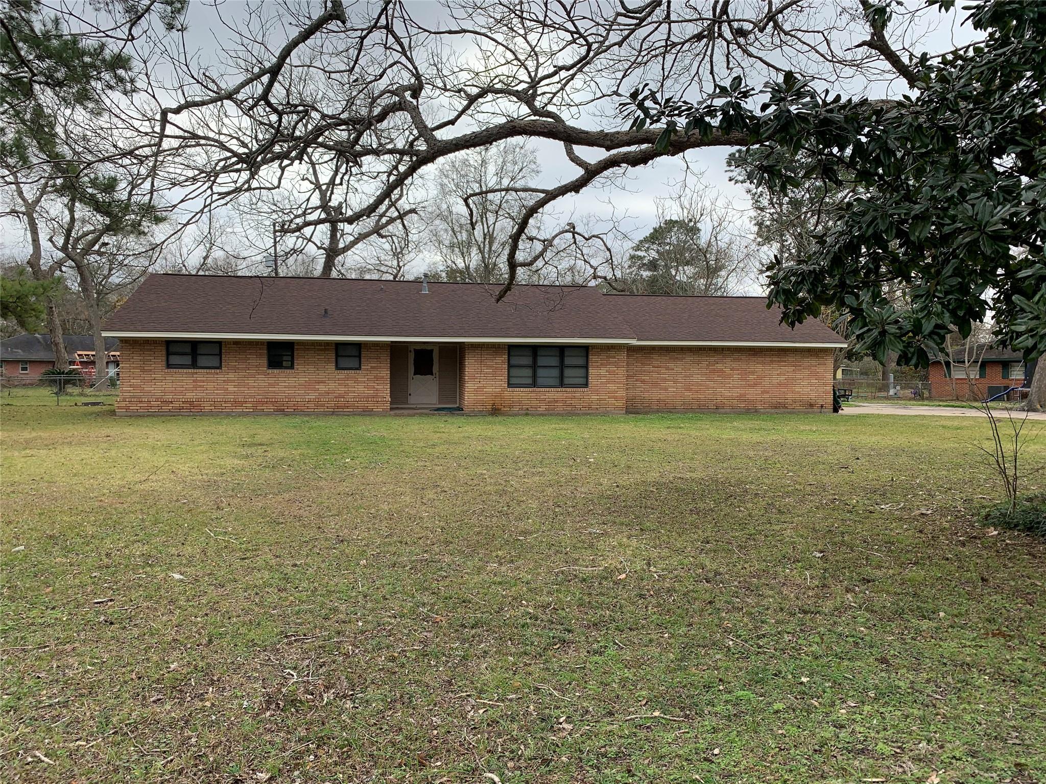 6403 Spencer Drive Property Photo - Jones Creek, TX real estate listing