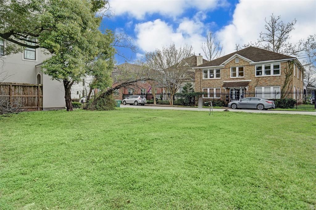 2211 Crocker Street Property Photo